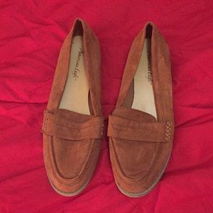 Brown American eagle dress shoes